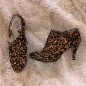 Vince Camuto Leopard pony booties